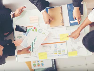 マーケティング戦略の企画立案